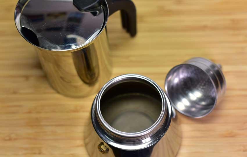 Espressokocher Wasser einfuellen