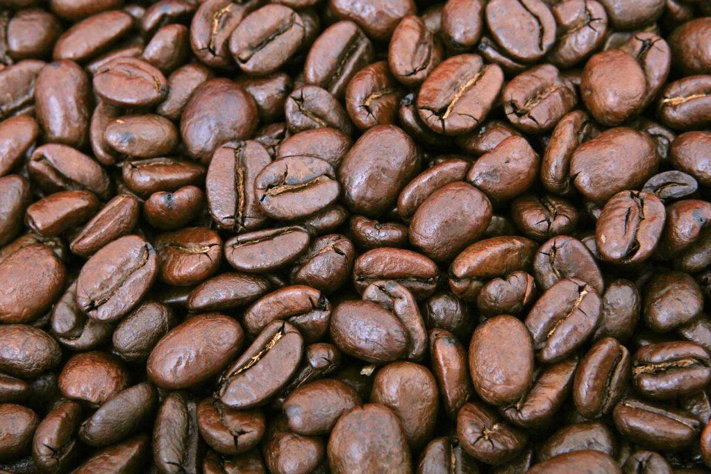 Espressobohnen Test - dunkelbraun und glänzend